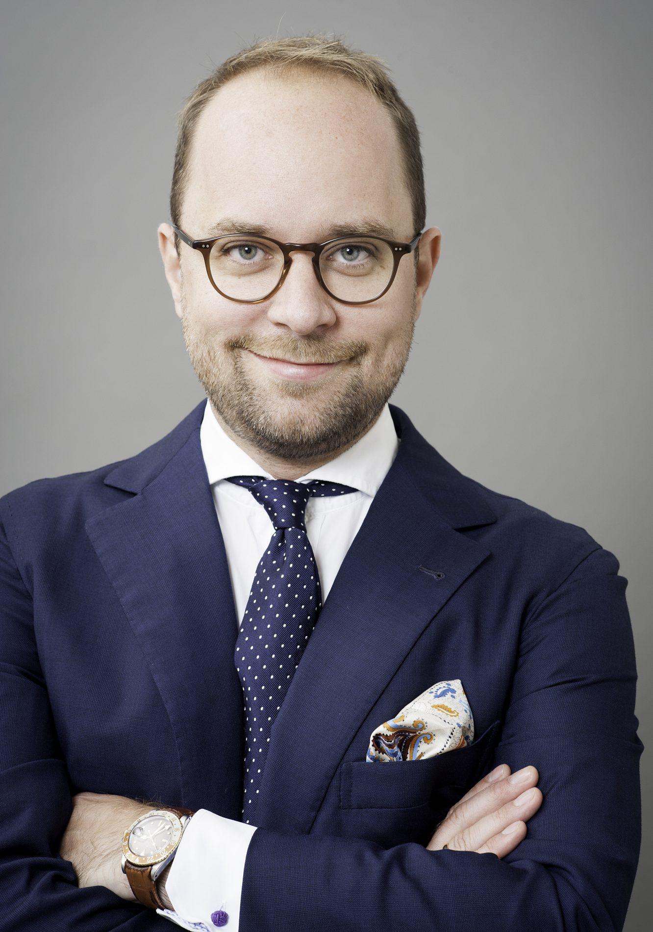 Dr. Dominik Herzog