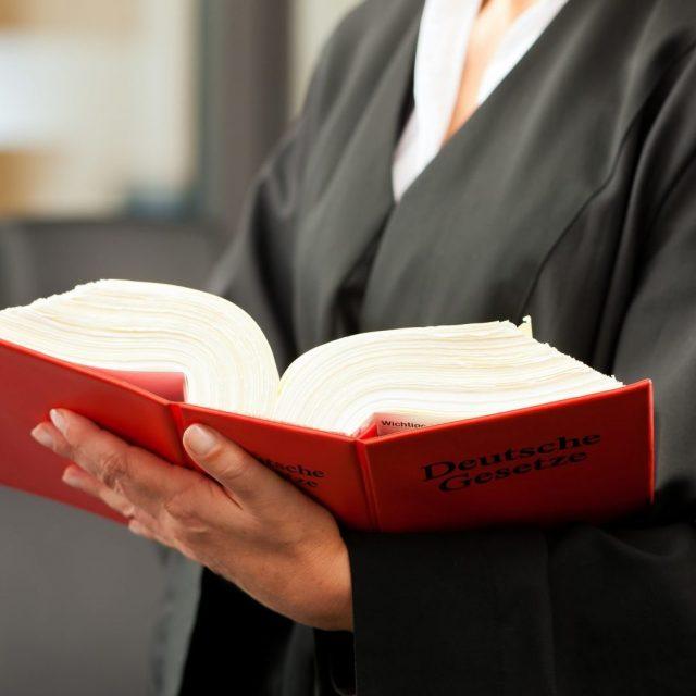 """""""Schnelles Recht ist gutes Recht"""" oder """"kurzer Prozess""""?<br>Die Modernisierung des Strafprozessrechts"""