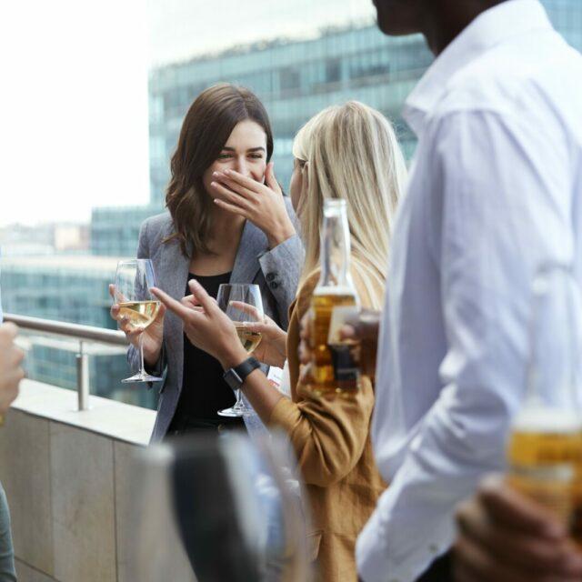 Mehr als nur Bier trinken: Warum der FORUM-Stammtisch die Karriere pushen kann